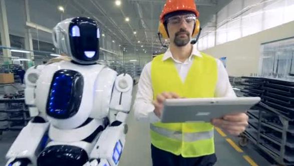 robot e uomo
