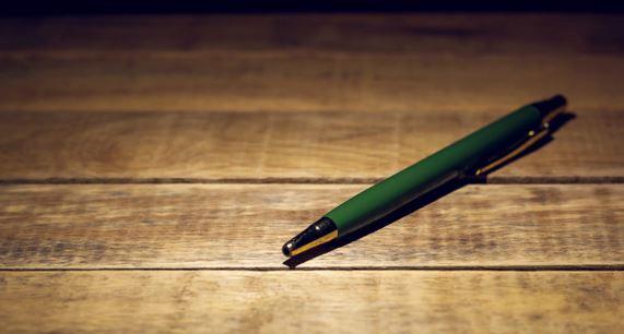 penna sul tavolo